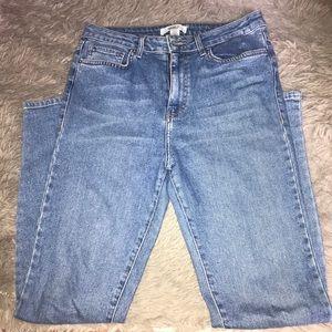 FOREVER21 Lightwash high waisted mom jeans
